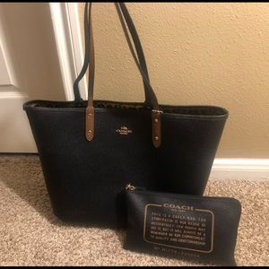 Coach Bags - Coach City Tote with Pouch